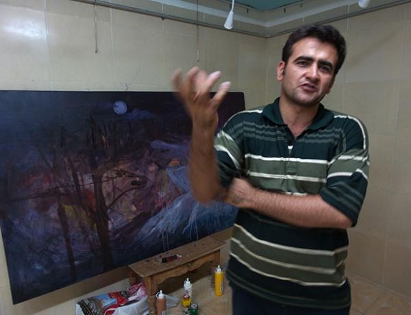 گپ و گفتی با مرتضی کریمی طلب هنرمند نقاش سبزواری در حاشیه نمایشگاه باغ انار